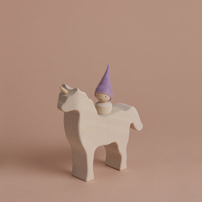 Raduga Grëz Unicorn with Gnome – White