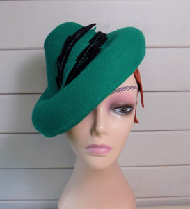 Effie. 30s inspired Tilt Hat