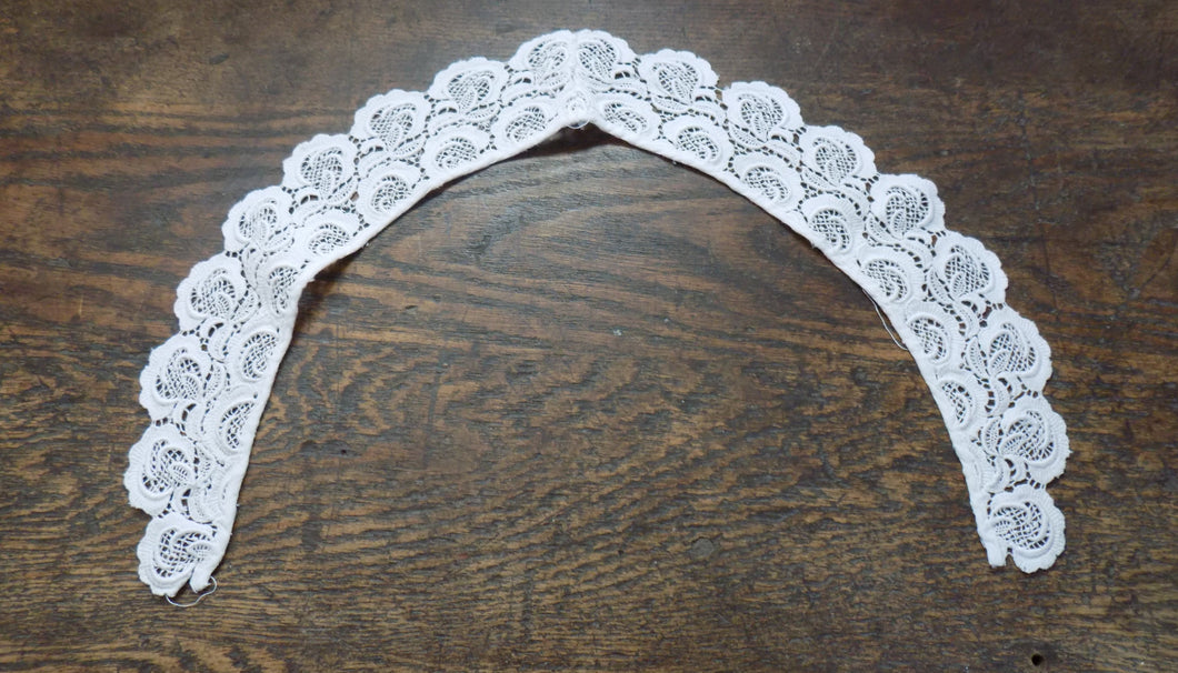 True Vintage Lace Collar
