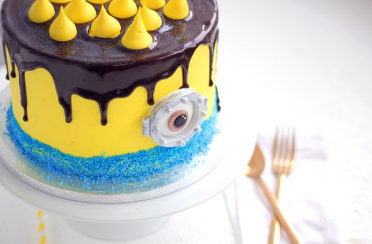 Incredible Despicable Me Minion Birthday Cake Flavourtown Bakery Funny Birthday Cards Online Inifofree Goldxyz