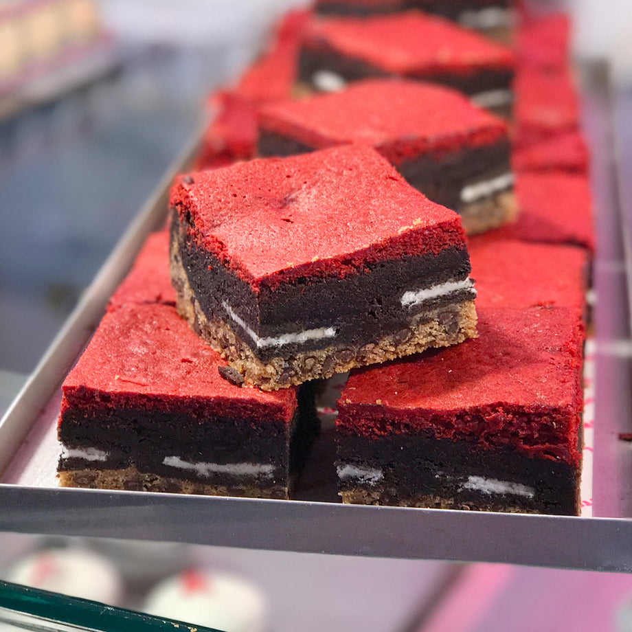 Red Velvet Oreo Brownie