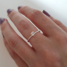 Load image into Gallery viewer, CZ TWISTED RING - SILVER