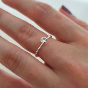 CZ TWISTED RING - SILVER