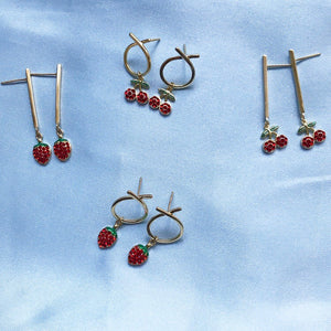 STRAWB 'o' EARRINGS