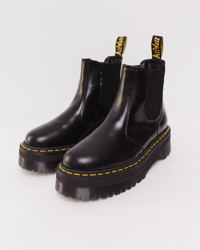 Klobige Chelsea Boots - Dr. Martens 2976 Polished Smooth Black Chelsea Boot - Broke + Schön