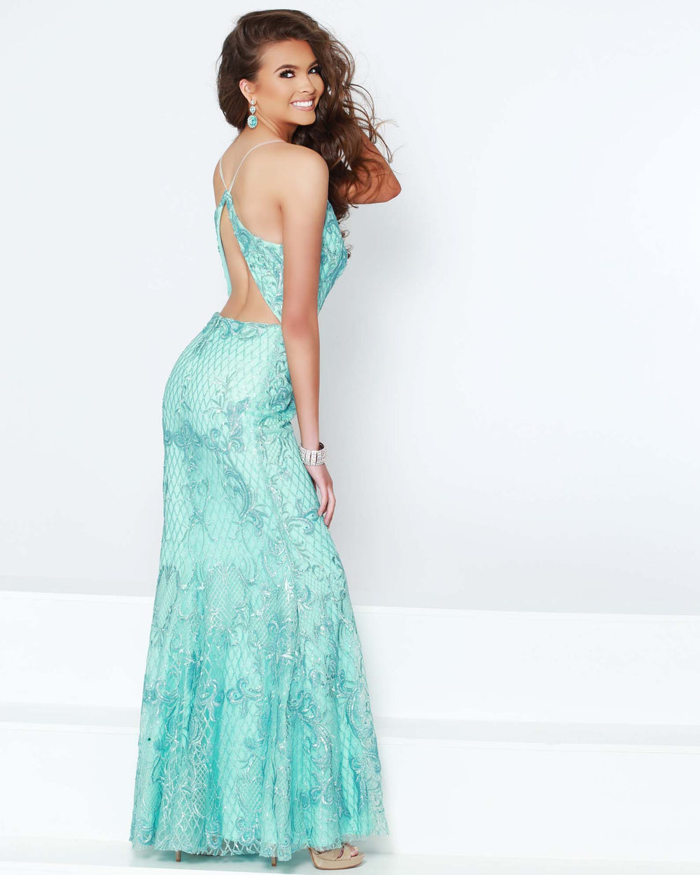 2Cute 91242 long attractive gown