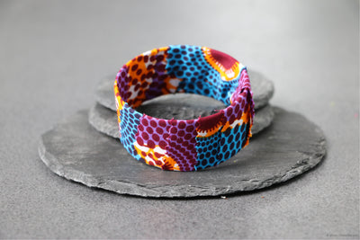 Bracelet bleu, orange et violet