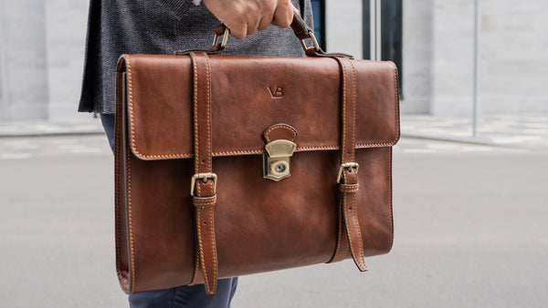 no.3 leather messenger briefcase in brown