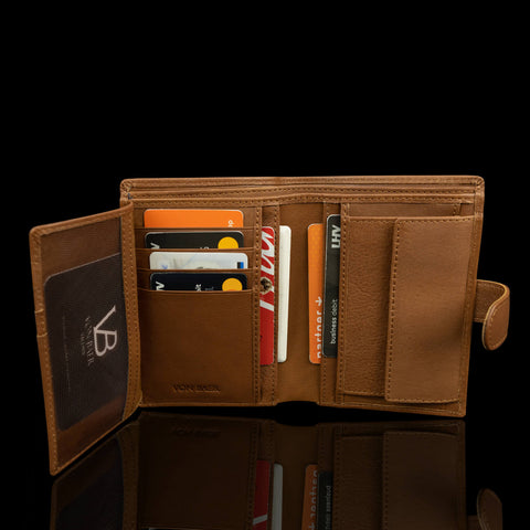 Von Baer Washington trifold wallet open