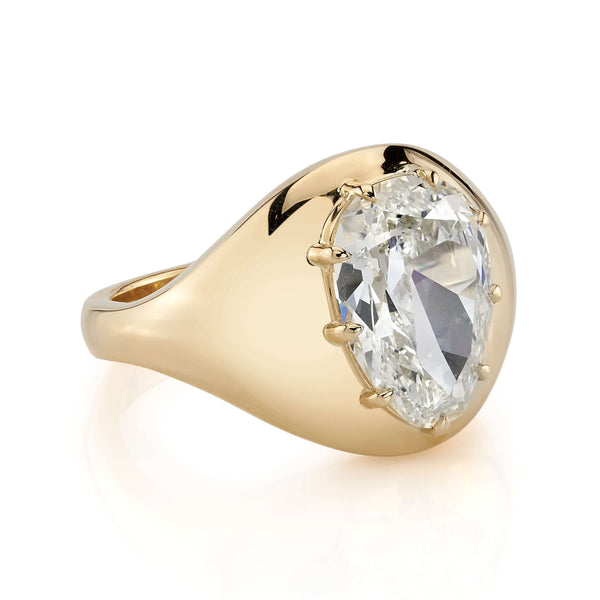 SIDE VIEW OF AN 18K YELLOW GOLD DOME RING WITH A 3.32CT PEAR SHAPED DIAMOND | SINGLE STONE