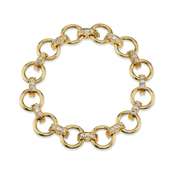 APPROXIMATELY 2.25CTW OLD EUROPEAN CUT DIAMONDS SET IN AN 18K YELLOW GOLD CLUB LINK BRACELET ARRANGED IN A CIRCLE PATTERN | SINGLE STONE