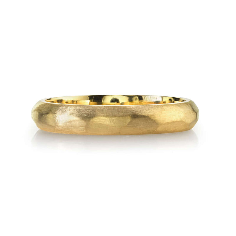 4MM HAMMERED FINISH 18K YELLOW GOLD MEN'S BAND | SINGLE STONE