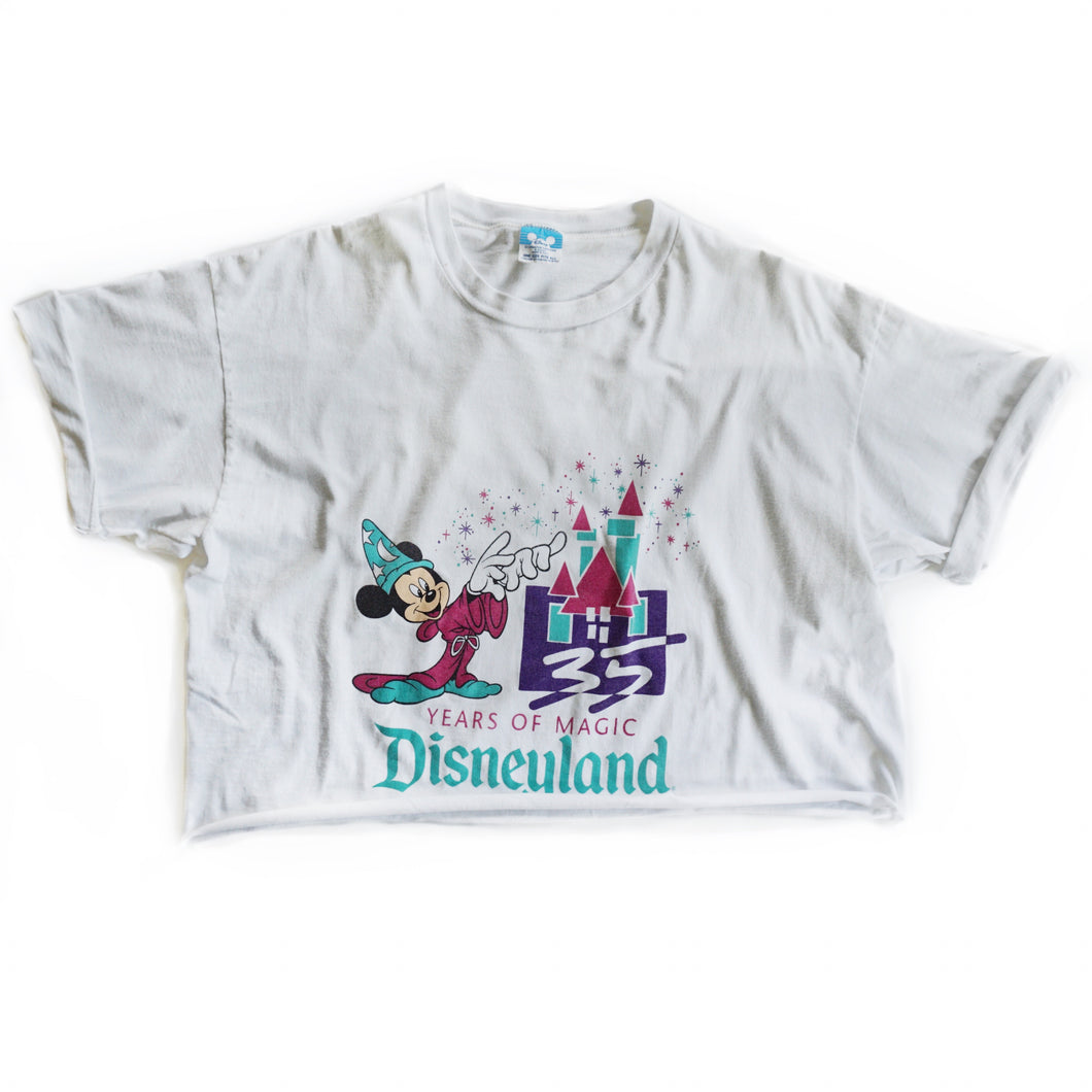 VINTAGE YEARS OF MAGIC CROP TEE