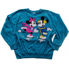 VINTAGE MICKEY & MINNIE ICE SKATING CREWNECK