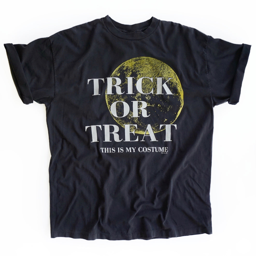 VINTAGE 90'S TRICK OR TREAT TEE