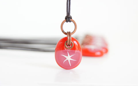 handmade painted silver star glass necklace in red and pink glass