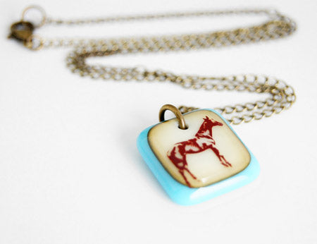 horse necklace in vintage colours with brass chain