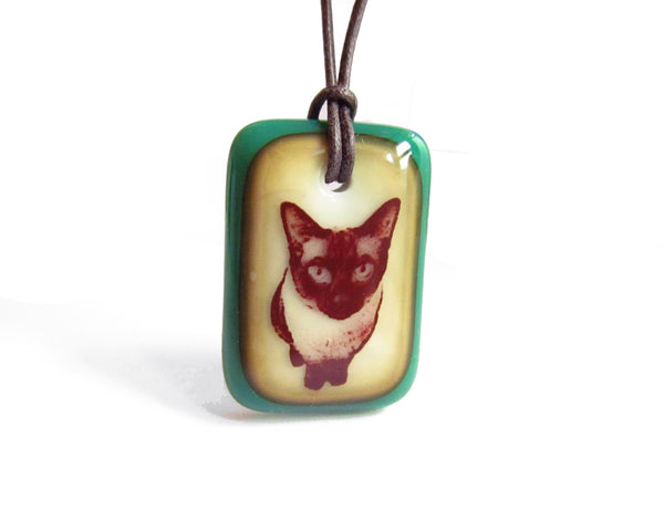 Siamese cat jewelry in jade green and vintage caramel colour.