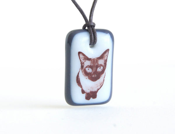 Siamese cat necklace handmade in charcoal grey and white glass