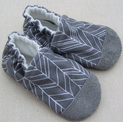 Snow and Arrow Cotton Knit Slippers - Size 12-18m