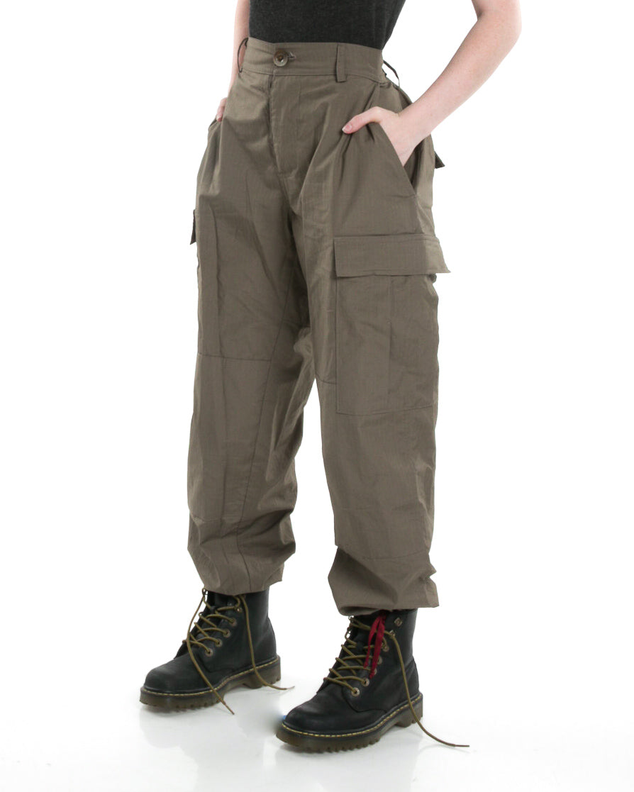 Side of female model wearing Infantry Pant in Army Green