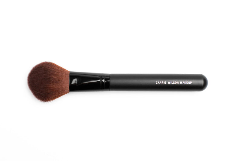 LARGE POINTED FACE BRUSH MAKEUP CARRIE WILSON MAKEUP