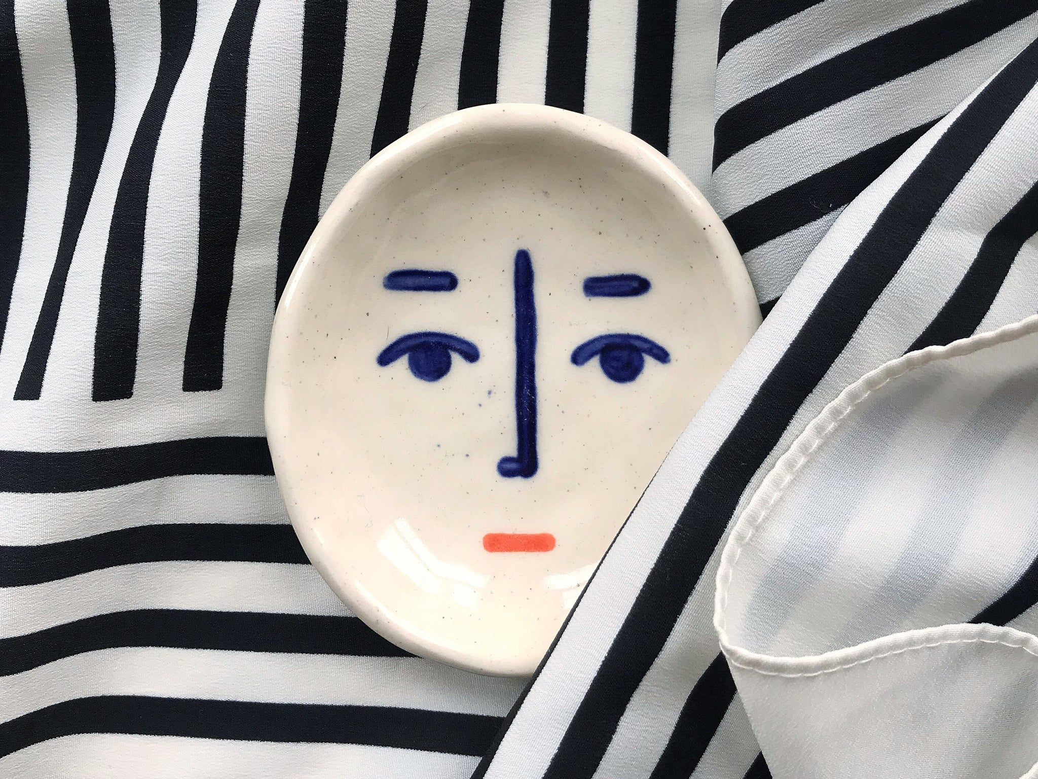 Ceramic Face Dish nº8 / Incense Holder / Ring Dish