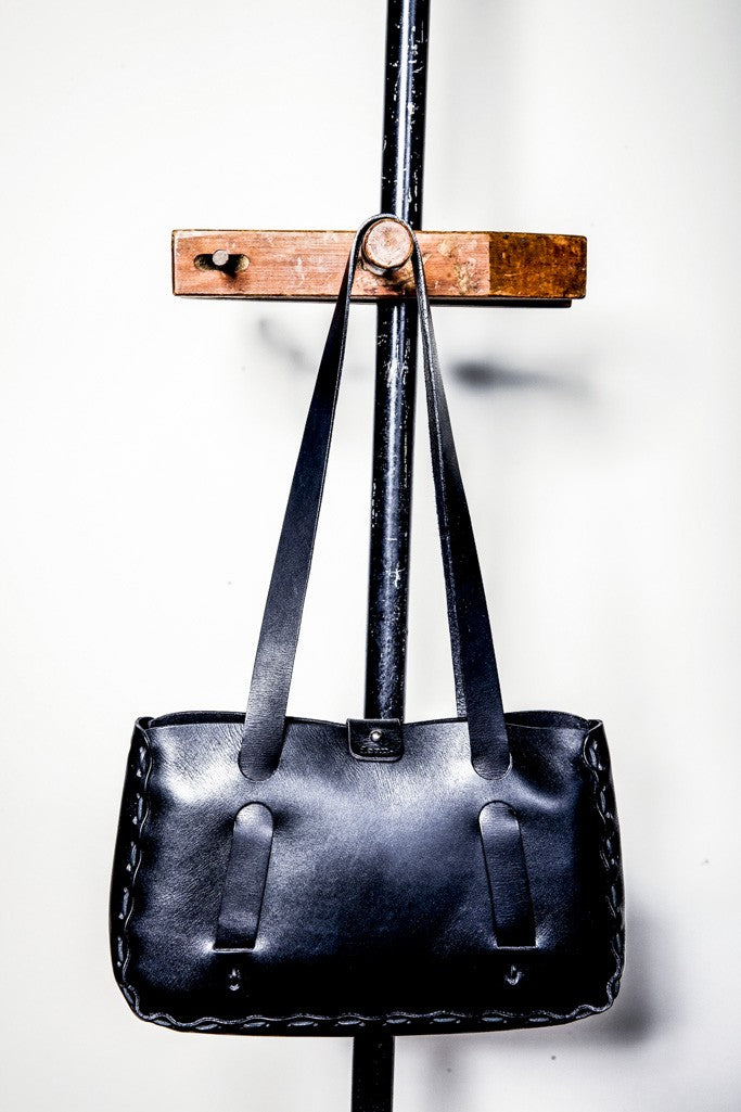 B06b Whip Stitched Tote