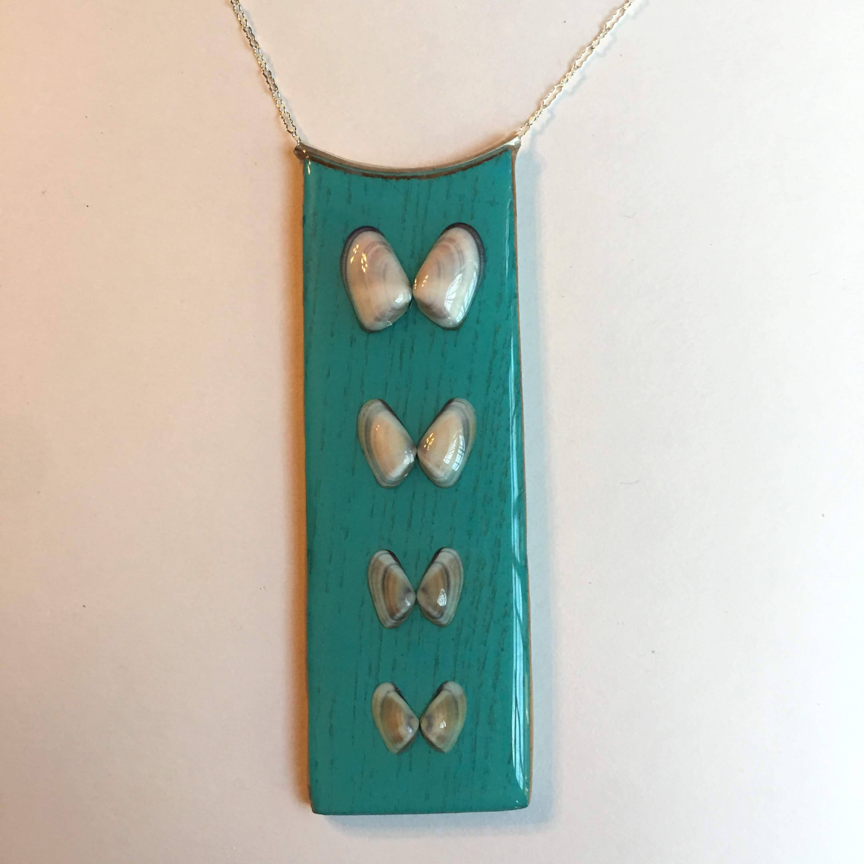 wood / sea shell necklace