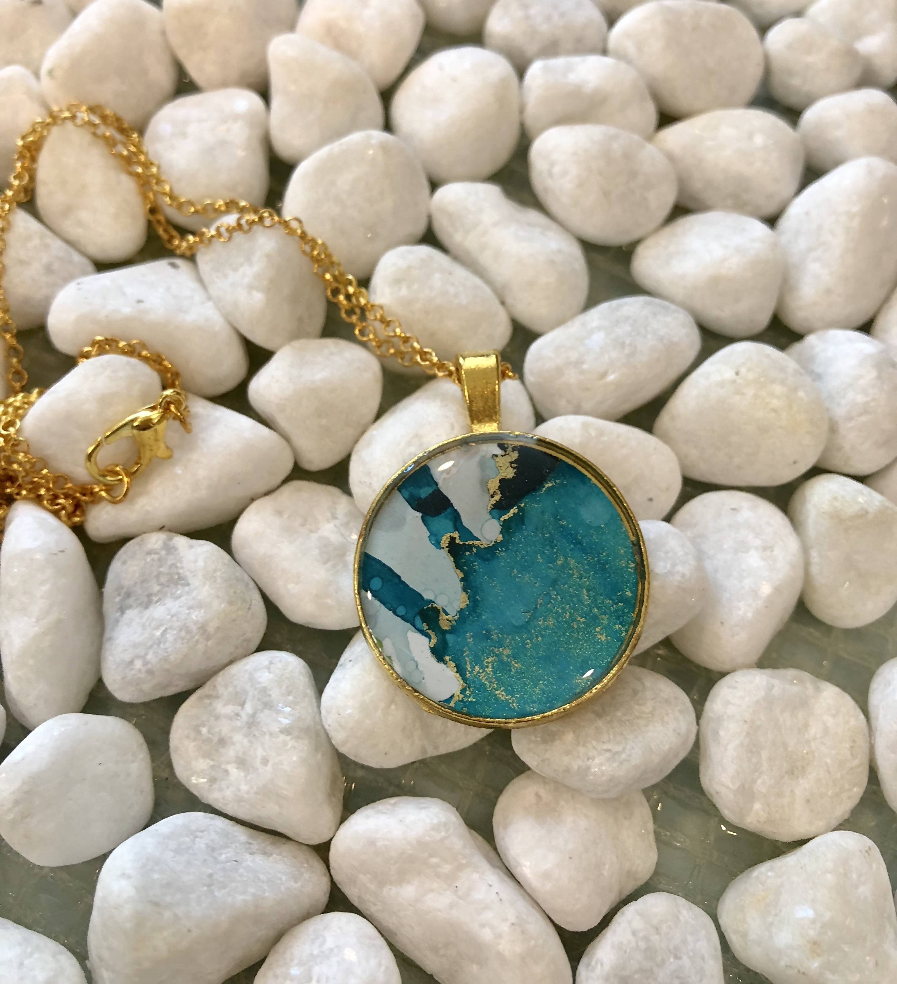 Blues and greys round necklace