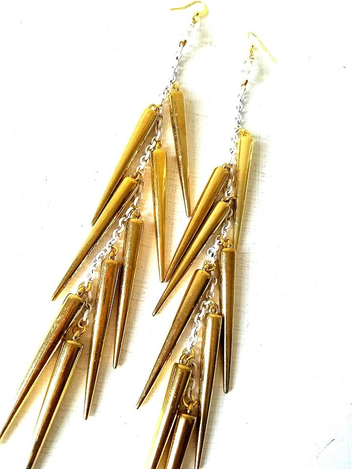 CRISTINA-Gold Spikes with White Chain