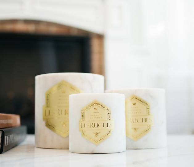 14 oz. White Marble Le tabac Luxury Candle (Tobacco Maple)