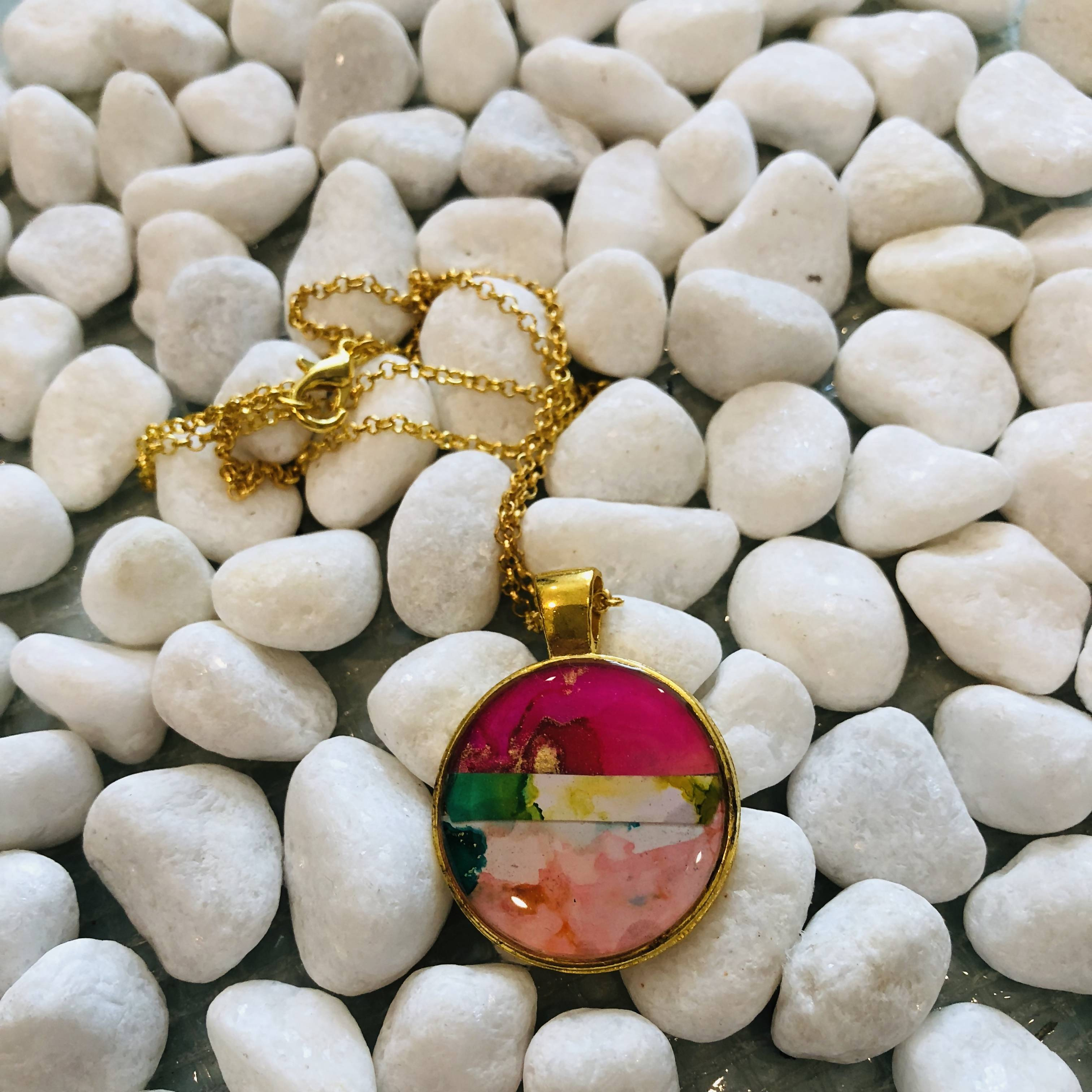 Pink and green stripes necklace