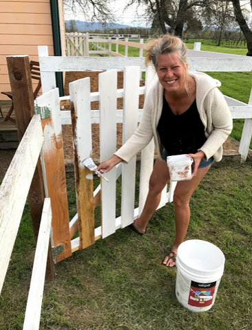 painting the gate