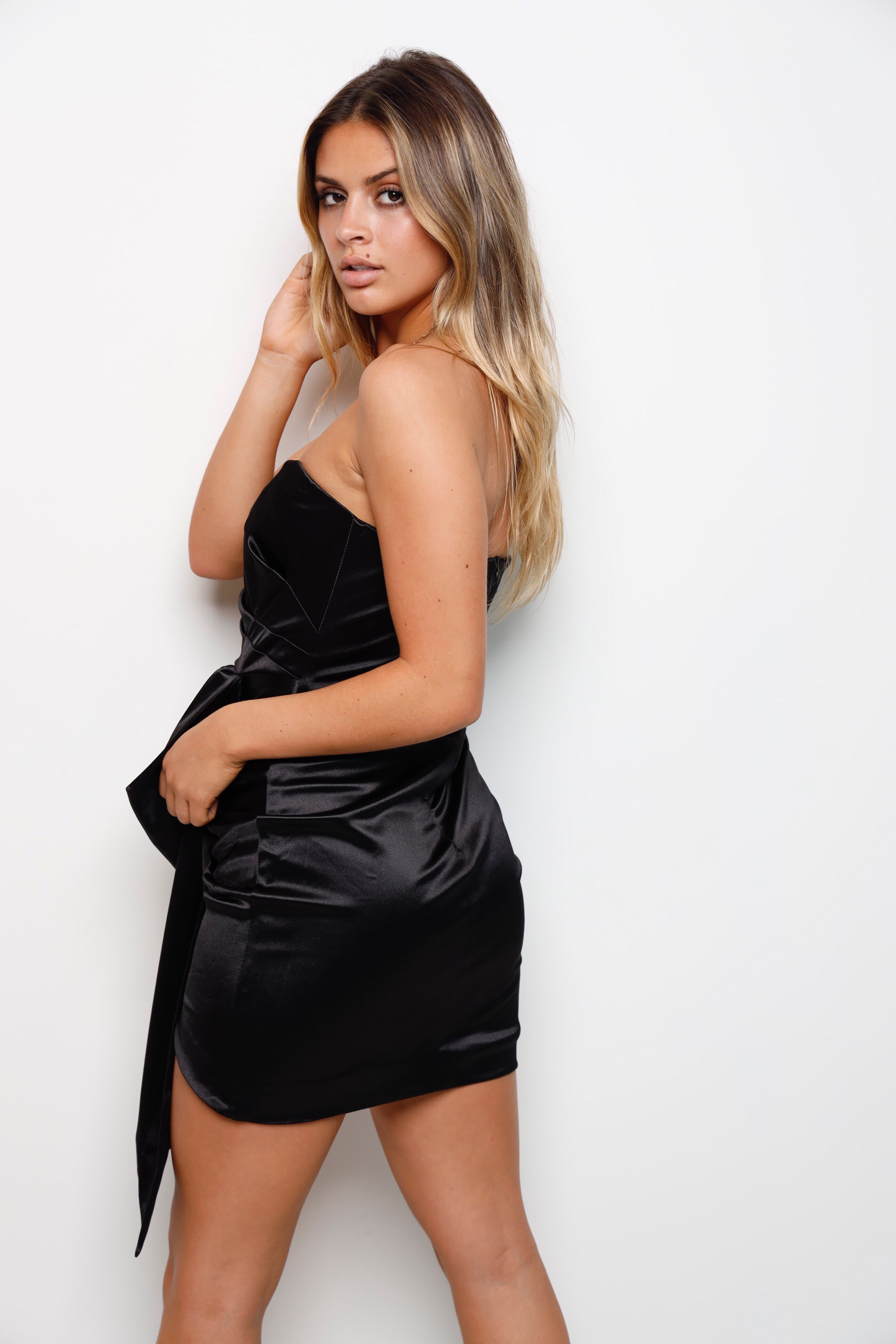 Sittin' Pretty Mini Dress -Black
