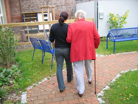step2health-dementia-Alzheimer's-outdoors-fall-prevention