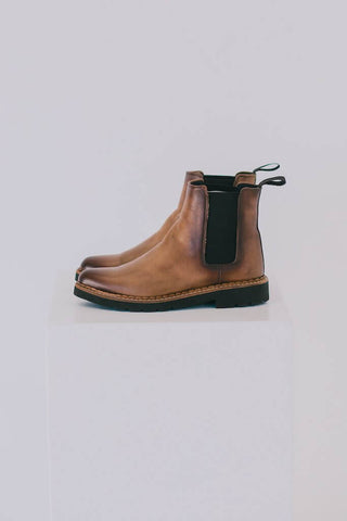 Luna Chelsea Boots - Camel / Mustard Leather
