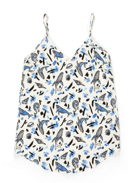 women top straight cut v-collar porcelain all over print