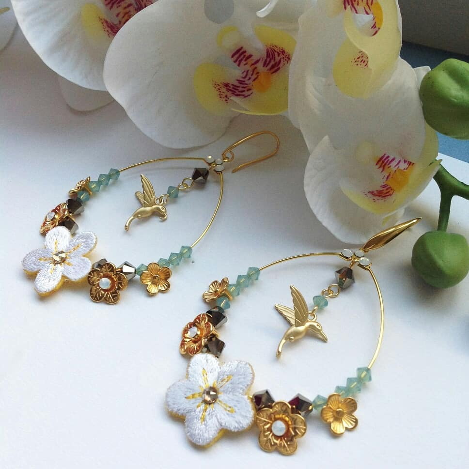 Colibri earrings white flower