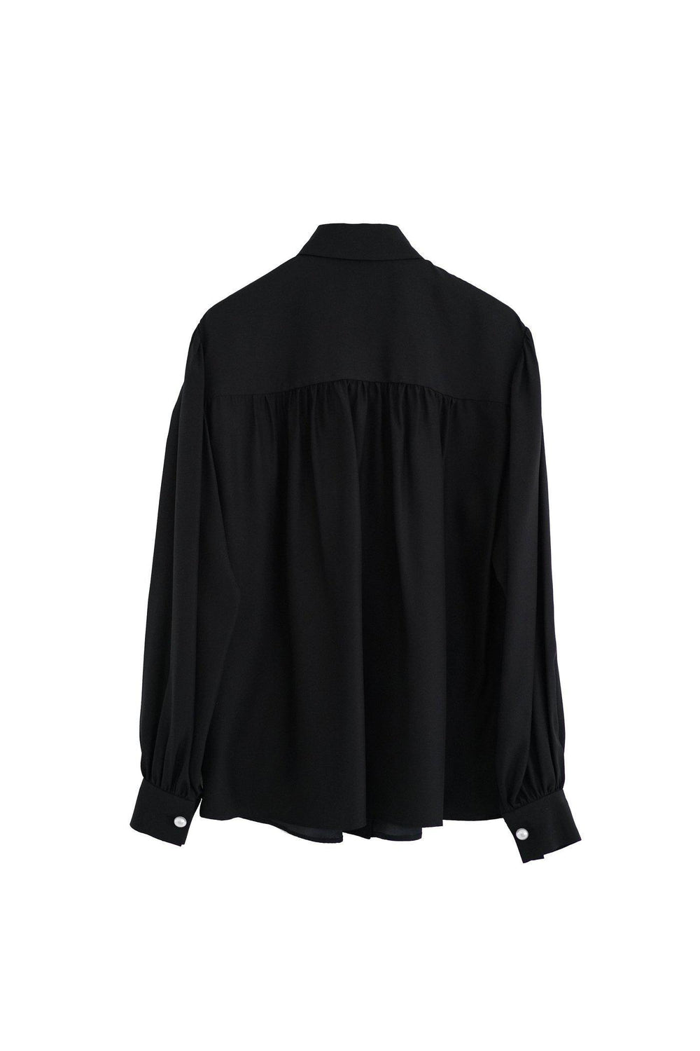 RYAN ROCHE Silk blouse with pearl buttons in black