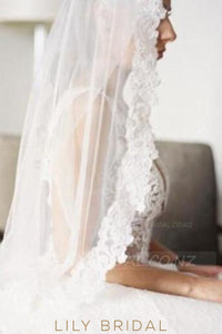 Double Layer Waist Length Bridal Veil With Lace Along The Edge