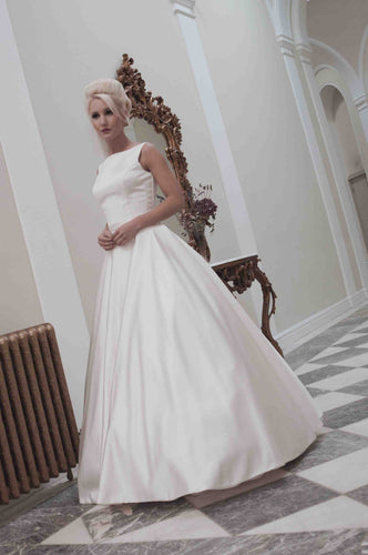 Vintage Bateau Neck Sleeveless Floor-Length Solid A-Line Satin Bridal Wedding Dress