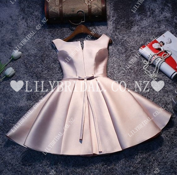 Elegant Bateau Neck Sleeveless Lace-Up Short Solid Satin Cocktail Dress