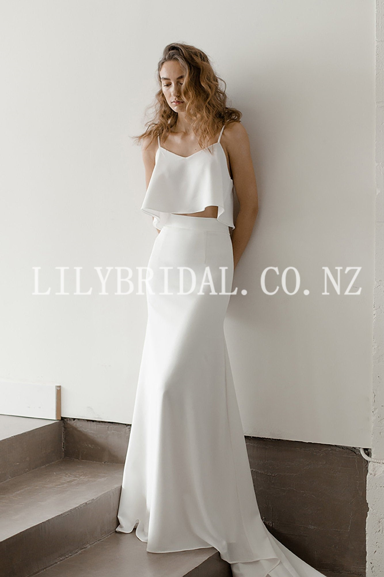 Elegant Spaghetti Straps Sleeveless Two Piece Long Bridal Wedding Dresses
