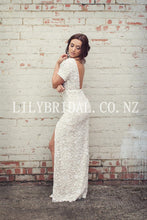 Elegant Lace Bateau Neck Short Sleeves Backless Long Sheath Bridal Wedding Dress