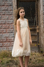 Elegant Lace Scoop Neck Sleeveless Knee-Length Tulle Princess Flower Girl Dress