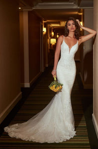 Elegant Lace Spaghetti Straps Sleeveless Backless Long Mermaid Bridal Wedding Dress
