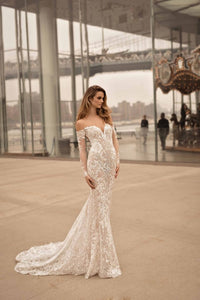 Luxury Lace Sheer Neck Long Sleeves Backless Long Mermaid Bridal Wedding Dress