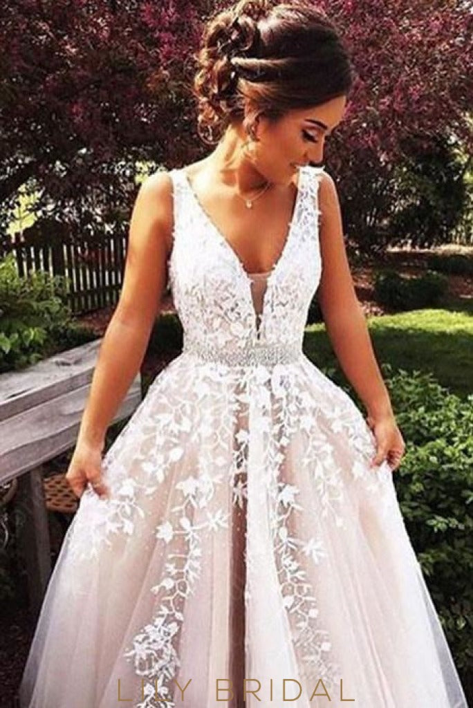 Appliqué White Tulle Sleeveless A-Line Wedding Gown