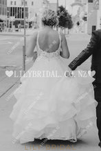 Applique Lace Ruffles Spaghetti Straps Sleeveless Backless Long Organza Wedding Dress